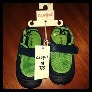 Toddler Cat & Jack water shoes 7-8